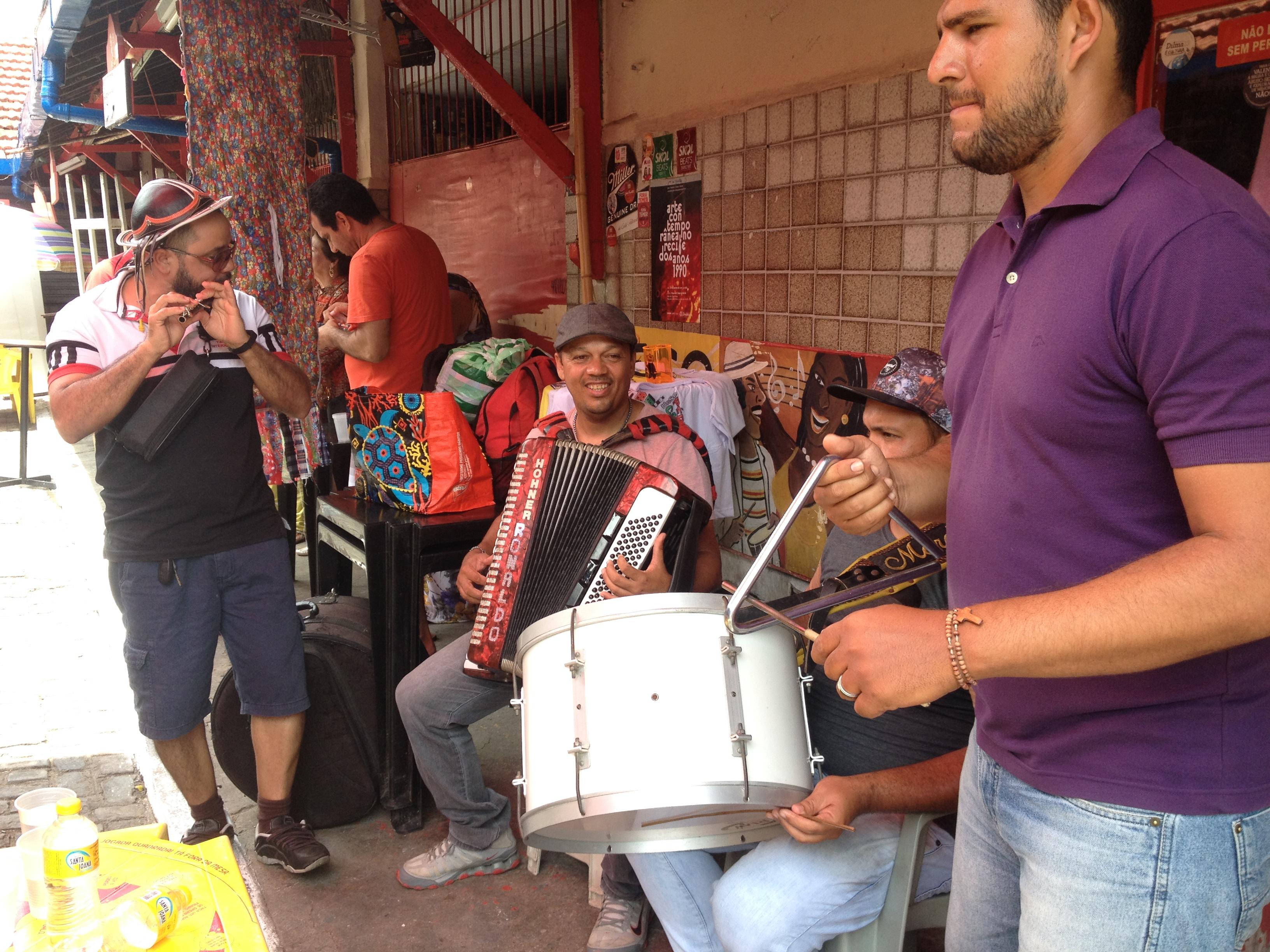 Um Trio pé-de-serra em pleno Carnaval